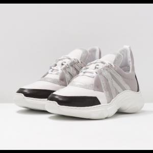 Reagan Sneakers