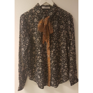 Mixed print shirt with detachable tie