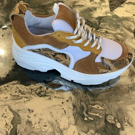 Mynthe Mesh Tan Snake Sneakers