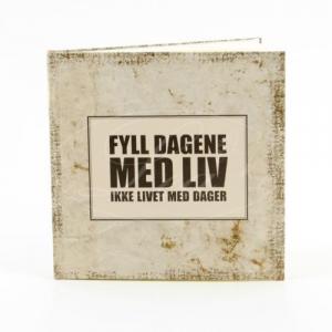 NOTISBOK LEA FYLL DAGENE MED LIV