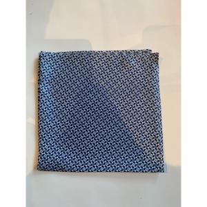 Lommetørkle blå mønstret