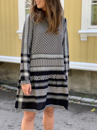Dress 2, long sleeves