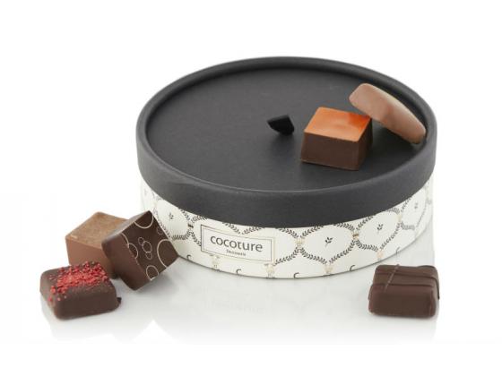 Fylte sjokolader i rund eske