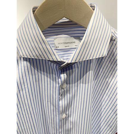 Hvit m/lyseblå striper