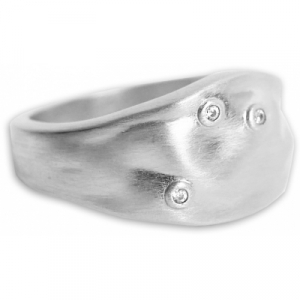 Ring Dainty