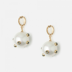 Statement Pearl Earring