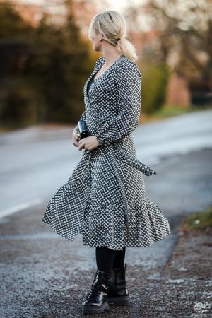 Gamma LS Midi Dress