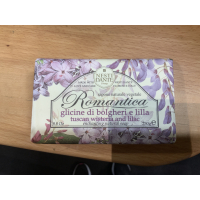 Romantica wisteria and lilac 250g såpe