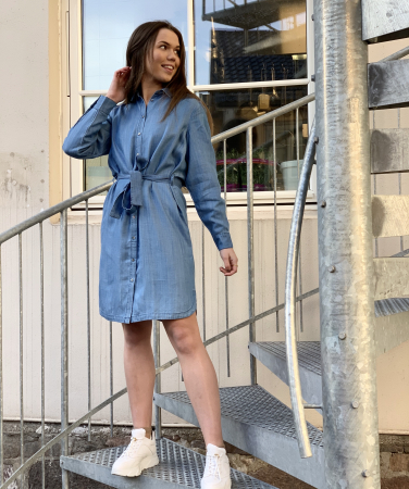 Lilla shirt dress