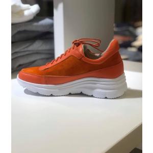 oransje sneakers