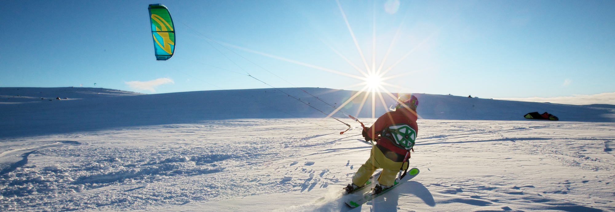 Gjør deg klar til vinteren! Snøkiter og ski er på lager
