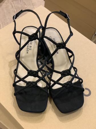 Tia Sandal Low Black