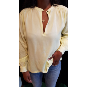 Viscose top with keyhole