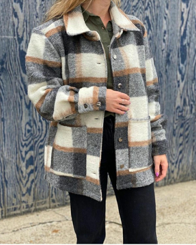 Viksa jakke rutete lang svartbrun Noella Tint