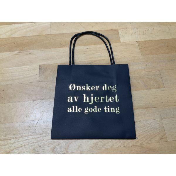 Gavepose  ønsker deg av hjertet alle gode ting