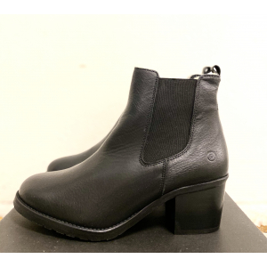 Alexis boots