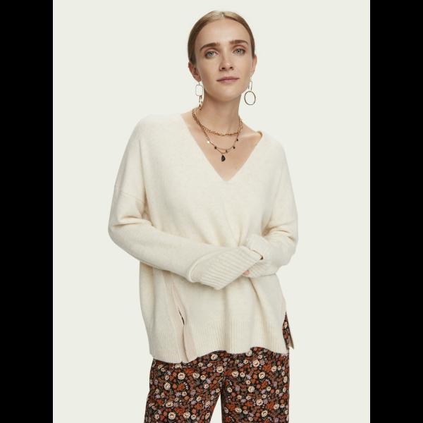 Fuzzy V-neck knit