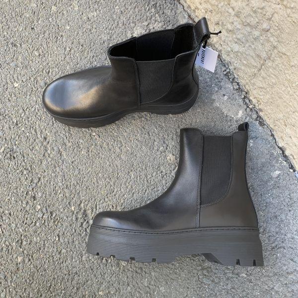 Viola Boots