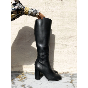 Larna Knee high Boots