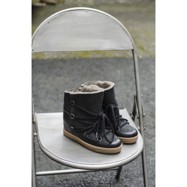 NOWLES BOOTS
