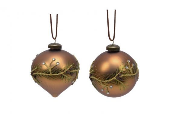 Julekule med dekorasjon