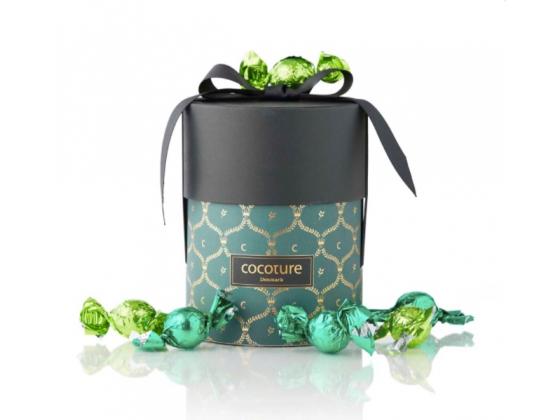Grønn gaveeske med fylte sjokoladekuler