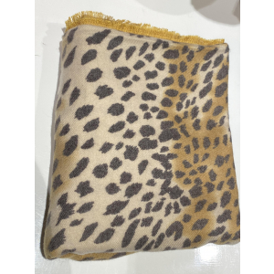 Leopardmønstret skjerf