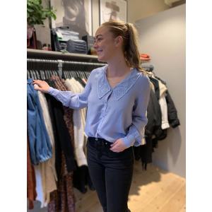 Charmaine bluse lyseblå