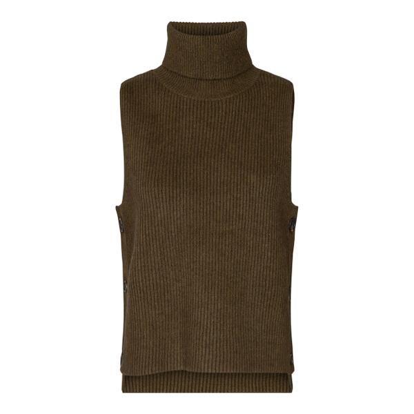 Row Button Vest