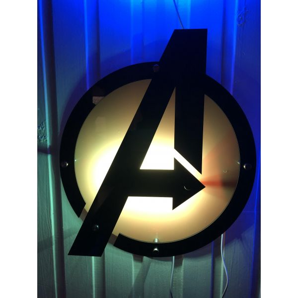 Vegglampe Avengers