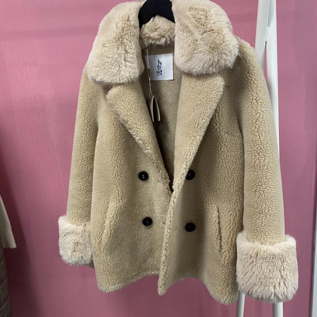 Fiona Faux Fur Offwhite Short
