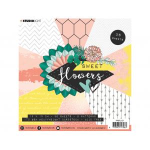 Studio Light Paper Pad 15×15 – Sweet Flowers 137