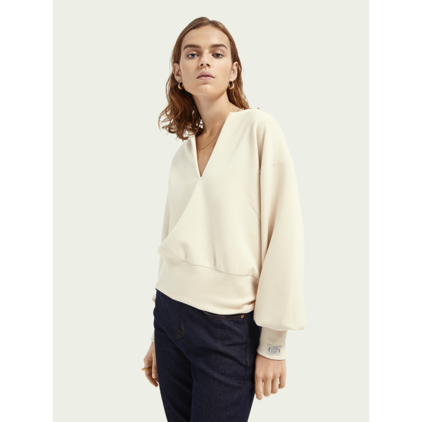 Soft sweat with open neck
