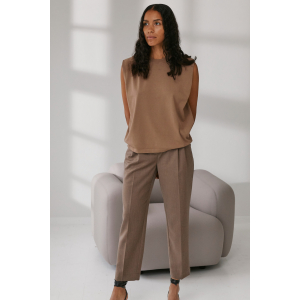 Mandy muscle tee taupe