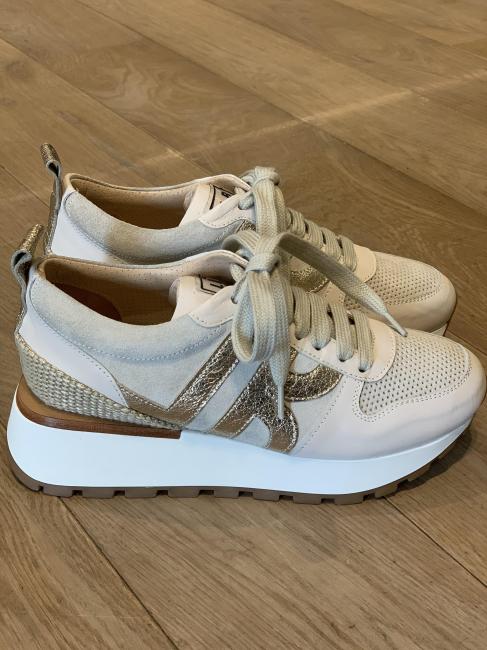 Beige Sneakers P6600DS
