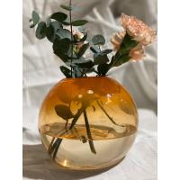 Glassblåst blomstervase, orange rund - blåst av Sigrid Rostad