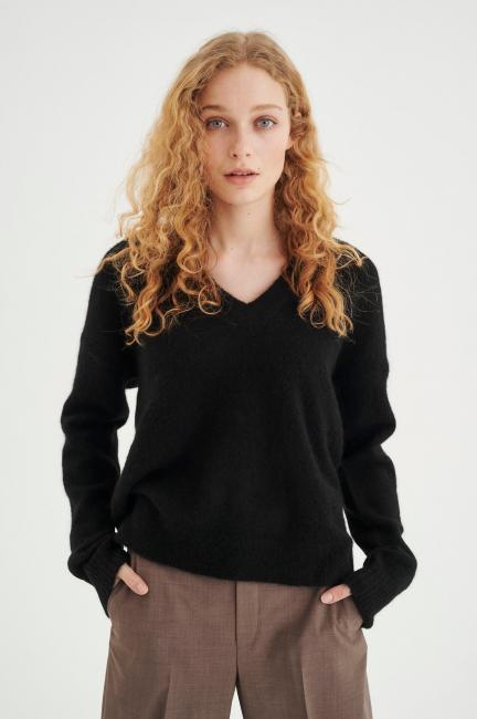 LUKKA V-neck pullover premuim
