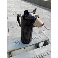 Bjørne mugge karaffel - Quail ceramics (Black Bear Jug)