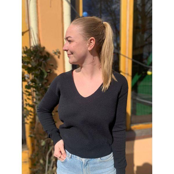Verena genser svart