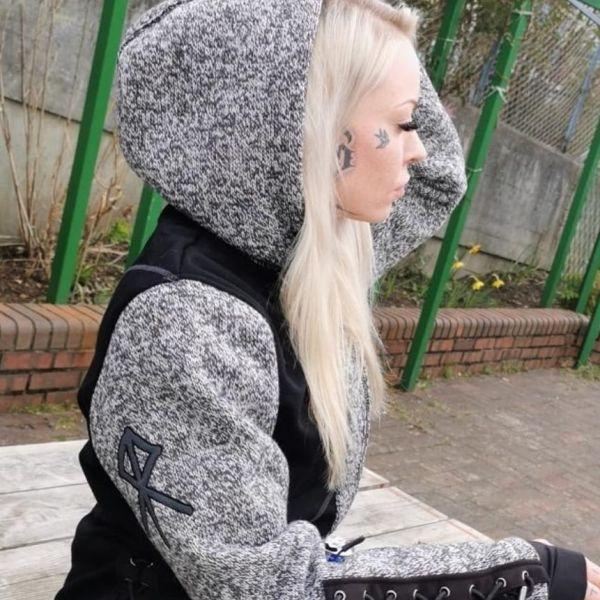 Fleinsopp Urdr dame jakke farge grå