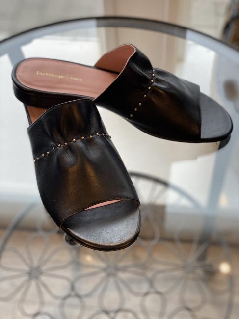 JEAN leather