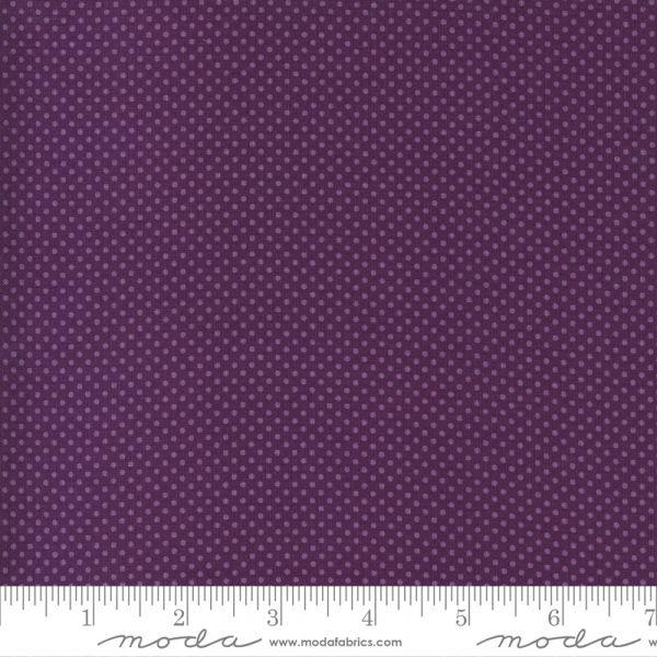 Violett hill purple pin dots
