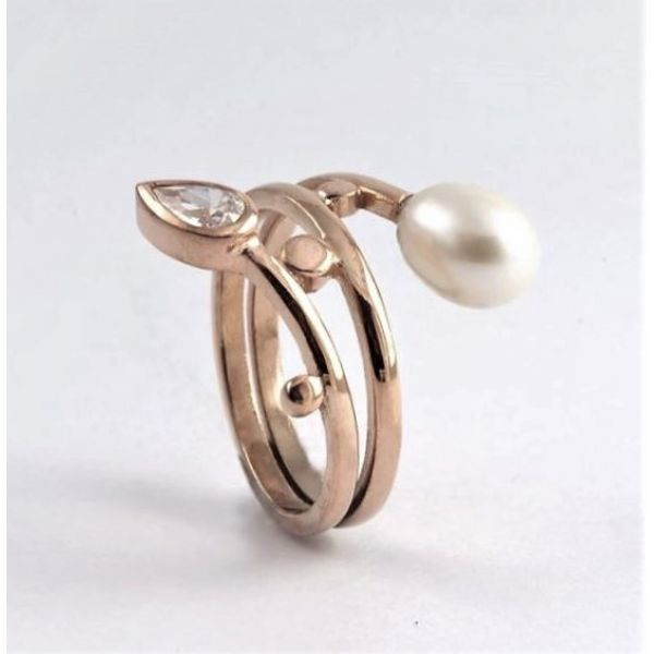 Rose Gold Resting Tulip - Ring
