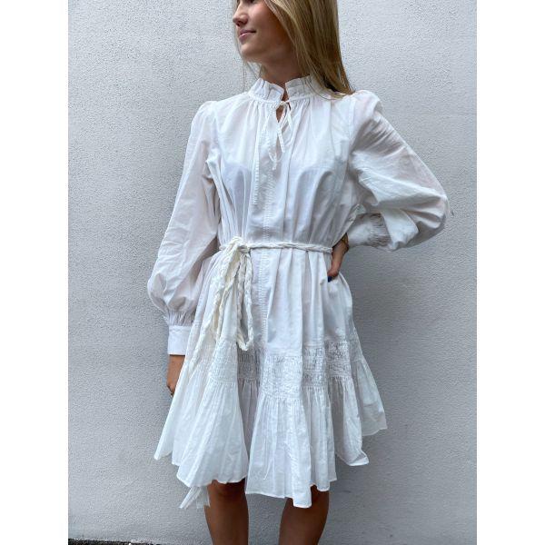 Wake up in tulum dress - white