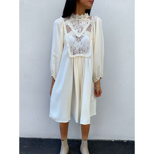 Elegant Lace Shift Dress - Vintage