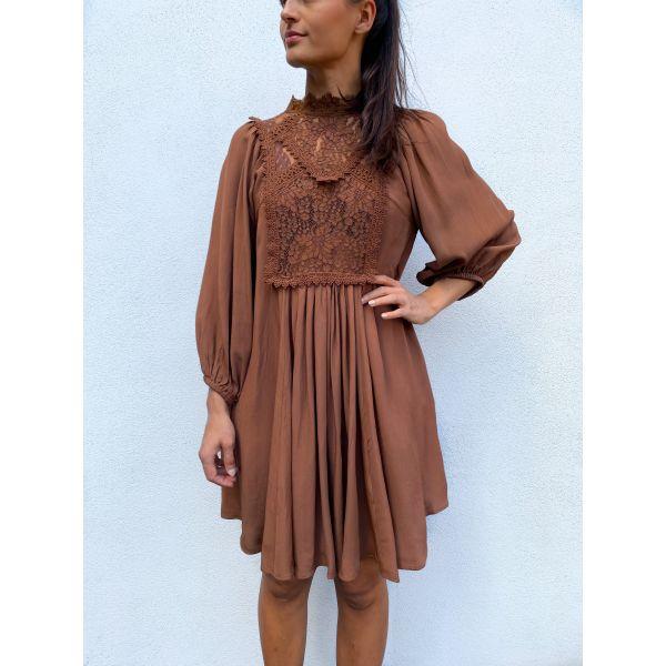 Elegant Lace Shift Dress - Brown