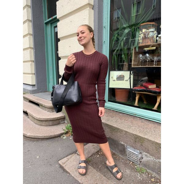 Aline kjole brun