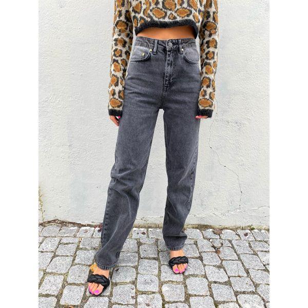 Betty Jeans - Castlerock Comb