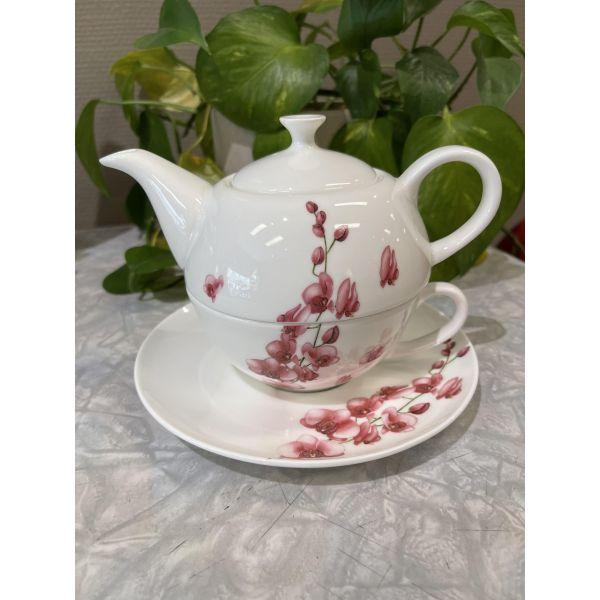 Mai-linh Tea for one