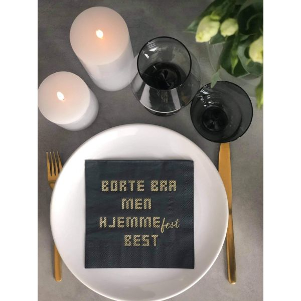 """Hjemmefest"" sort lunsj"